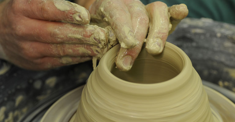 One day pottery throwing course